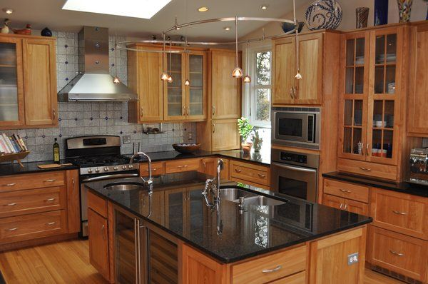 Counters and Cabinets - Canadian Home Inspection Services on Natural Maple Cabinets With Black Granite Countertops  id=33071
